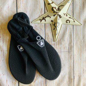Men's Black Water Shoes size 12-13 - V